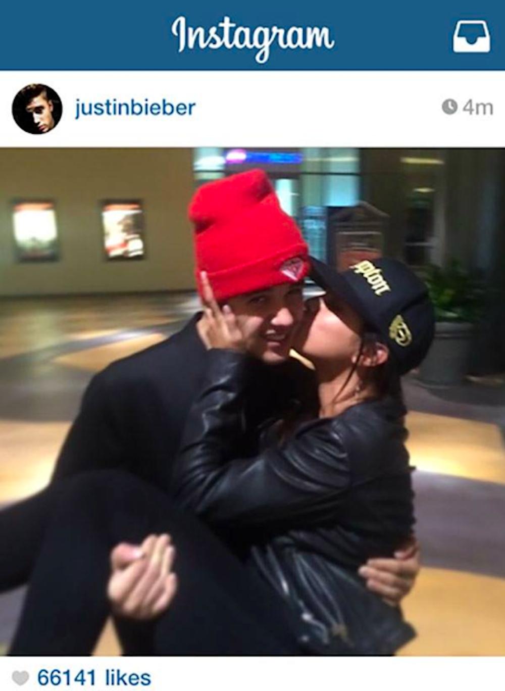 Selena Gomez i Justin Bieber nadal spotykają się w 2014 roku podłączyć źródło zasilania ac3