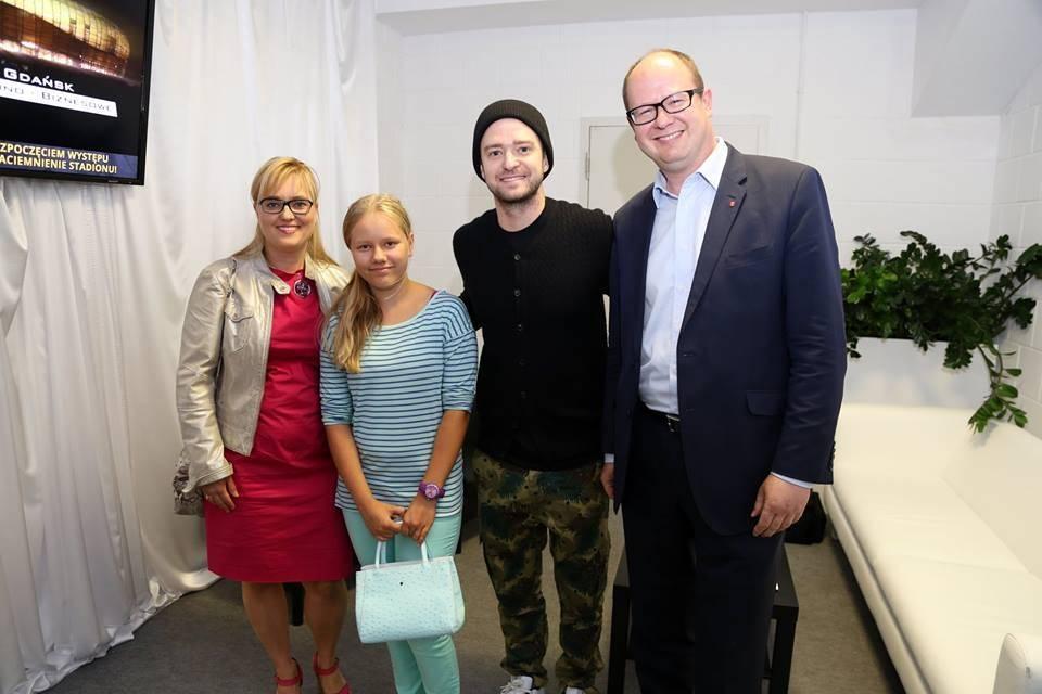Prezeydent Gadńska z rodziną powitał Justina Timberlake'a, foto: Facebook
