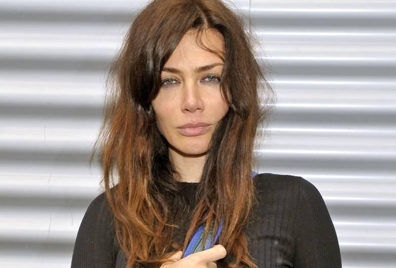 Zdjęcie (6) Pierwsza miłość: Nowa gwiazda dołączyła do obsady! Jest wierną kopią Angeliny Jolie!