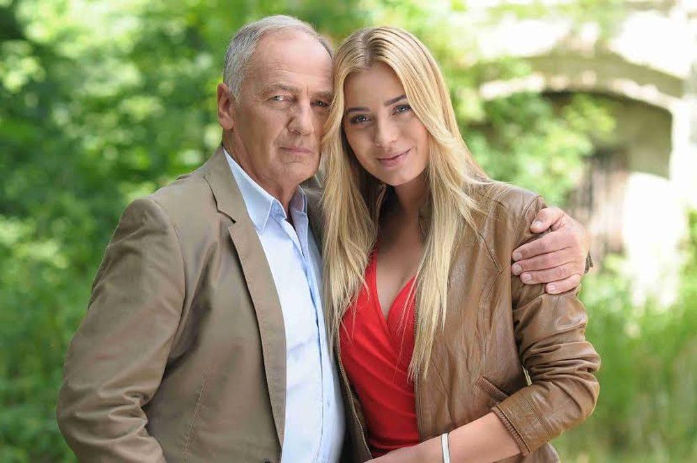 Zdjęcie (7) Zakochany 71-letni Karol Strasburger pochwalił się swoją piękną 33-letnią partnerkę!