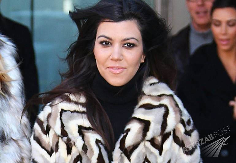 KIM KARDASHIAN, KHLOE KARDASHIAN, KOURTNEY KARDASHIAN GO SHOPPING FOR A NEW DASH STORE IN NYC.