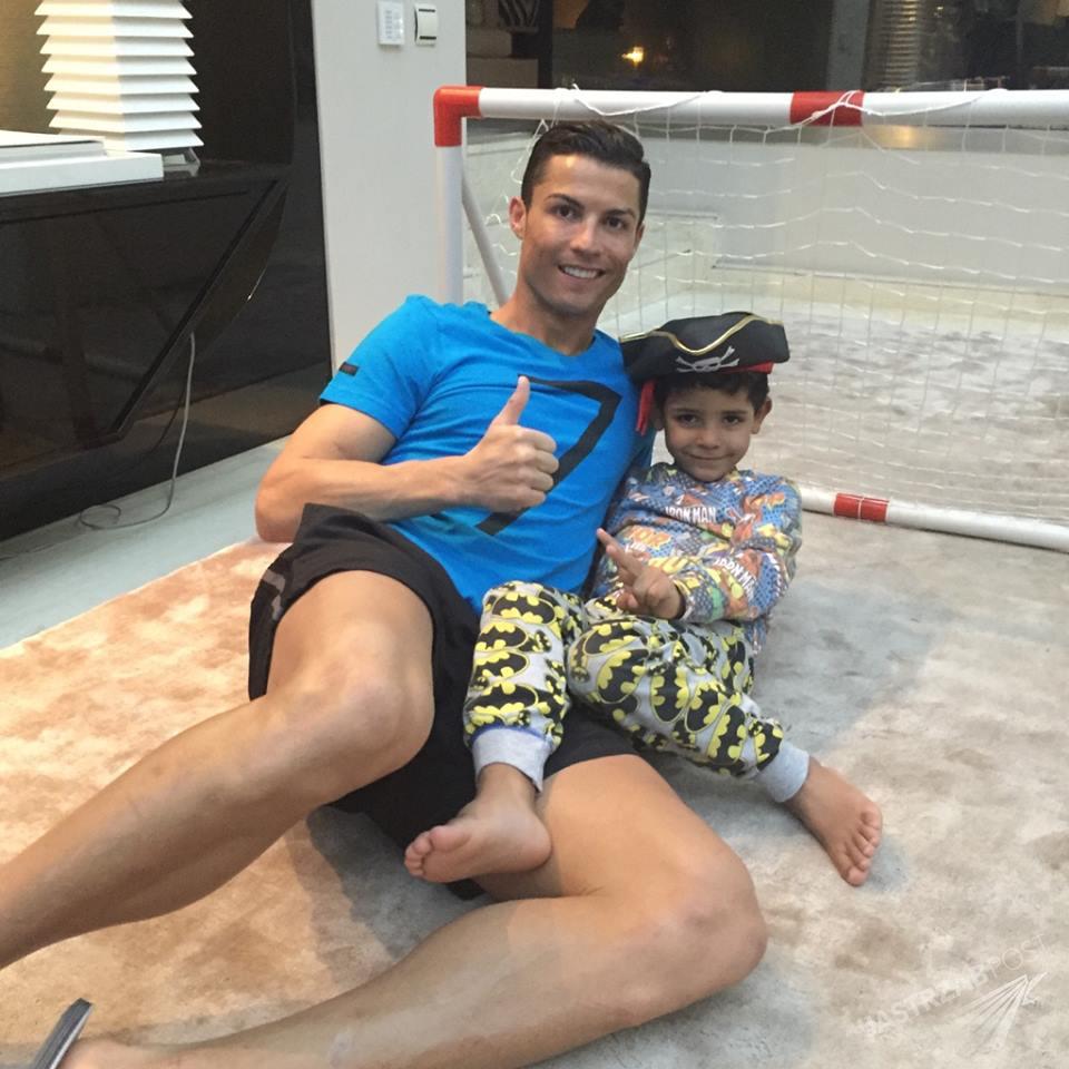 Ronaldo z synem Juniorem