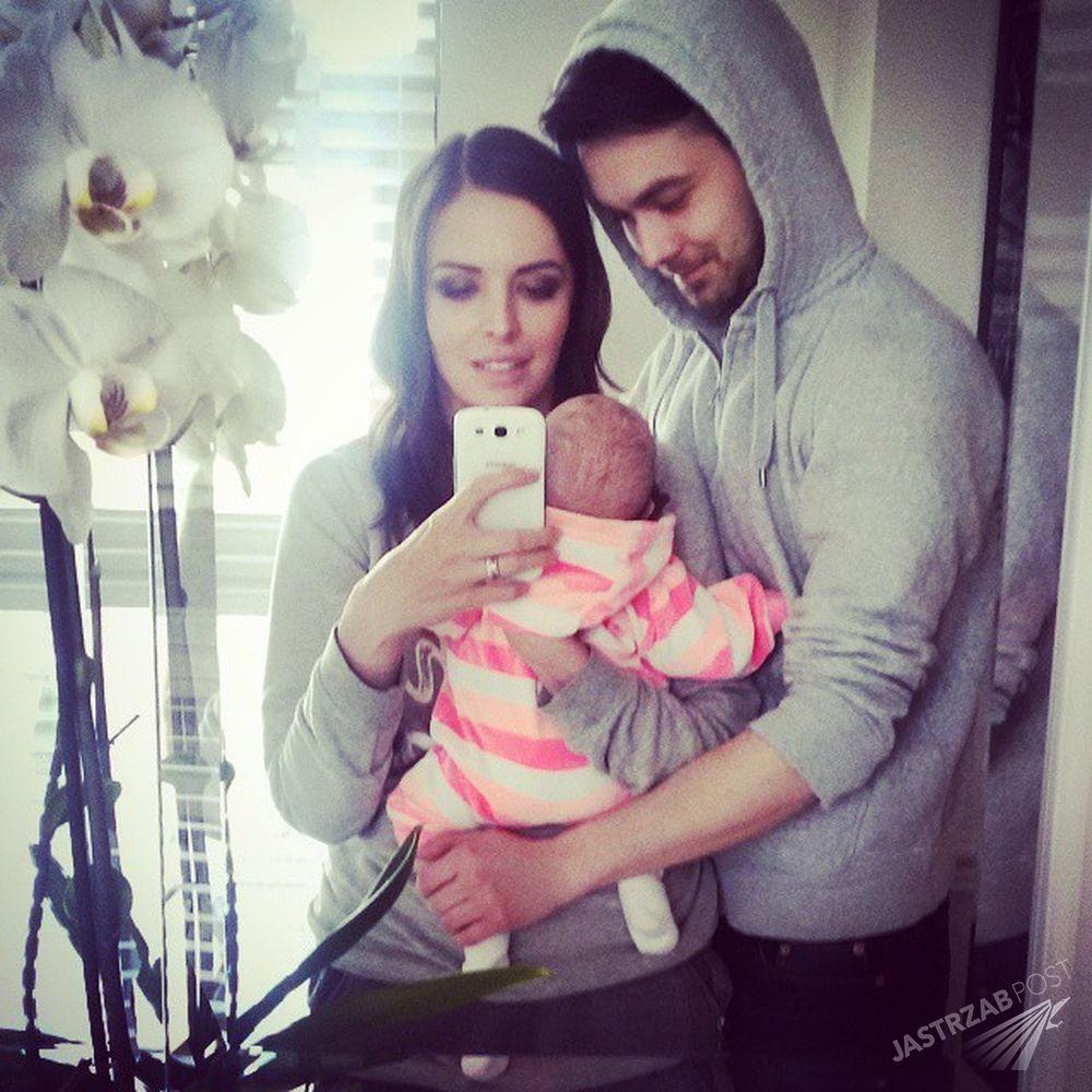 Anna Wendzikowska i Patryk Ignaczak z córeczką Kornelią