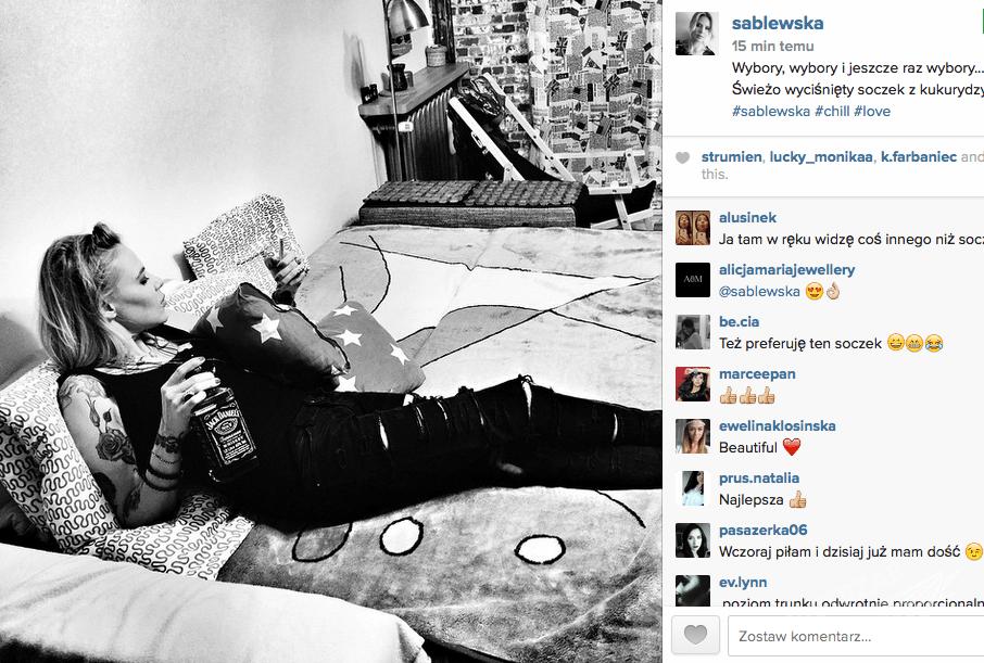 Maja Sablewska spędza wybory prezydenckie 2015 popijając whisky
