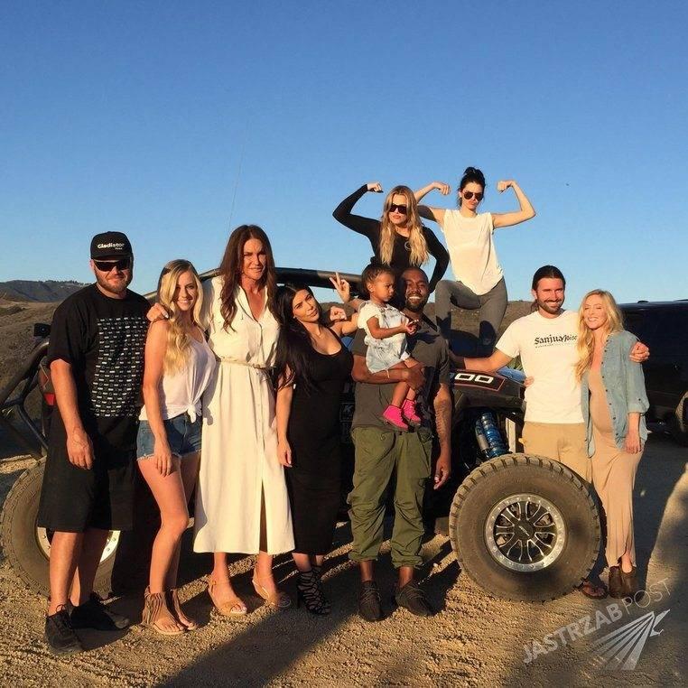 Caitlyn Jenner dzień ojca spędziła z dziećmi. Zdjęcie podbiło Instagram, Facebooka i WhoSay.com