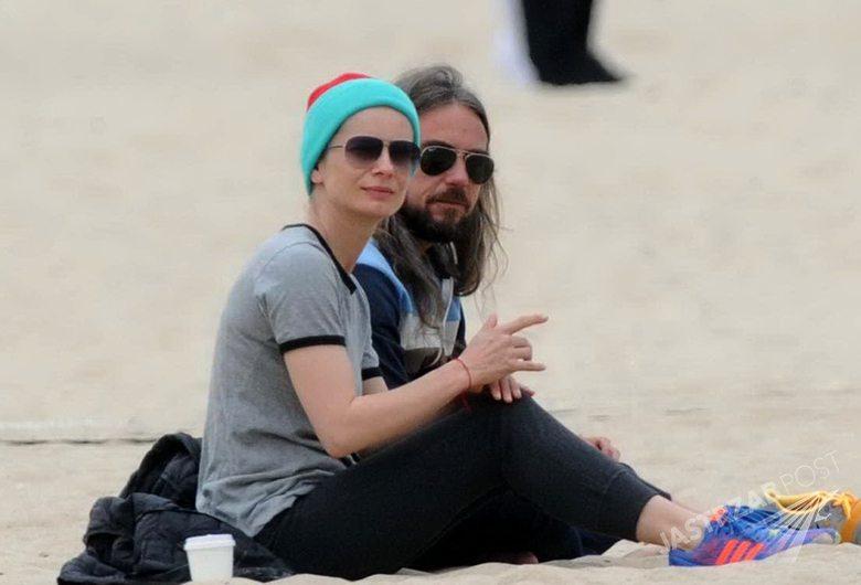 Magdalena Cielecka i Dawid Wajnatraub, spacer na plaży, fot. Paparazzi
