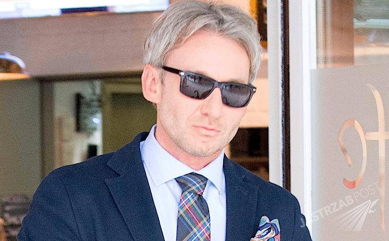 Piotr Schramm w blondzie. Piotr Schramm blondynem. Prawnik ma nową fryzurę