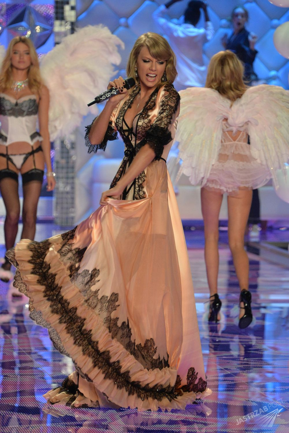 Taylor Swift aniołkiem Victoria's Secret, fot. ONS