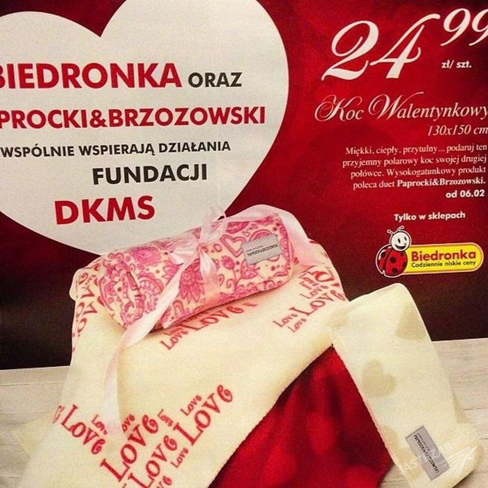 Paprocki&Brzozowski zaprojektowali koce walentynkowe dla Biedronki w 2014 roku