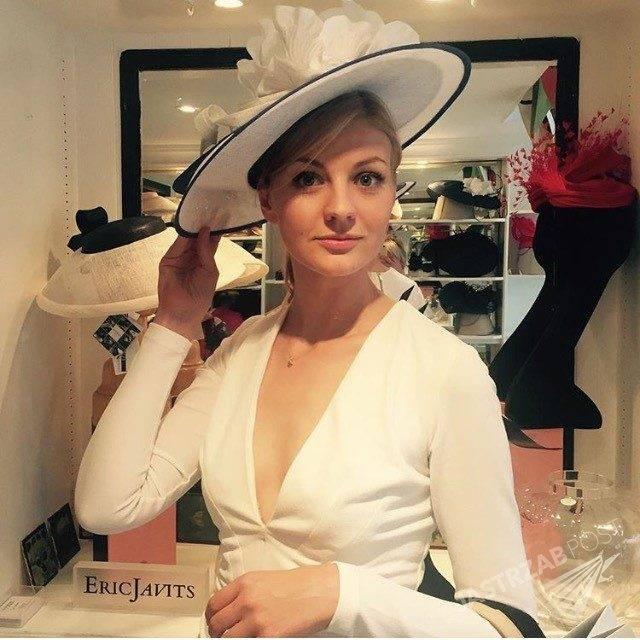 Katarzyna Kołeczek w kapeluszu Eric Javits