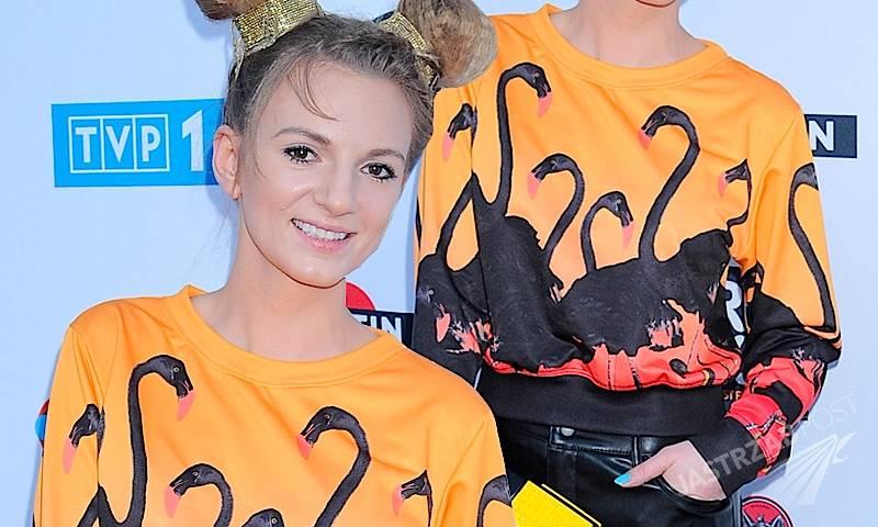 Sarsa w bluzie we flamingi EVC DSGN gdzie kupić sklep internetowy Eska Music Awards 2015