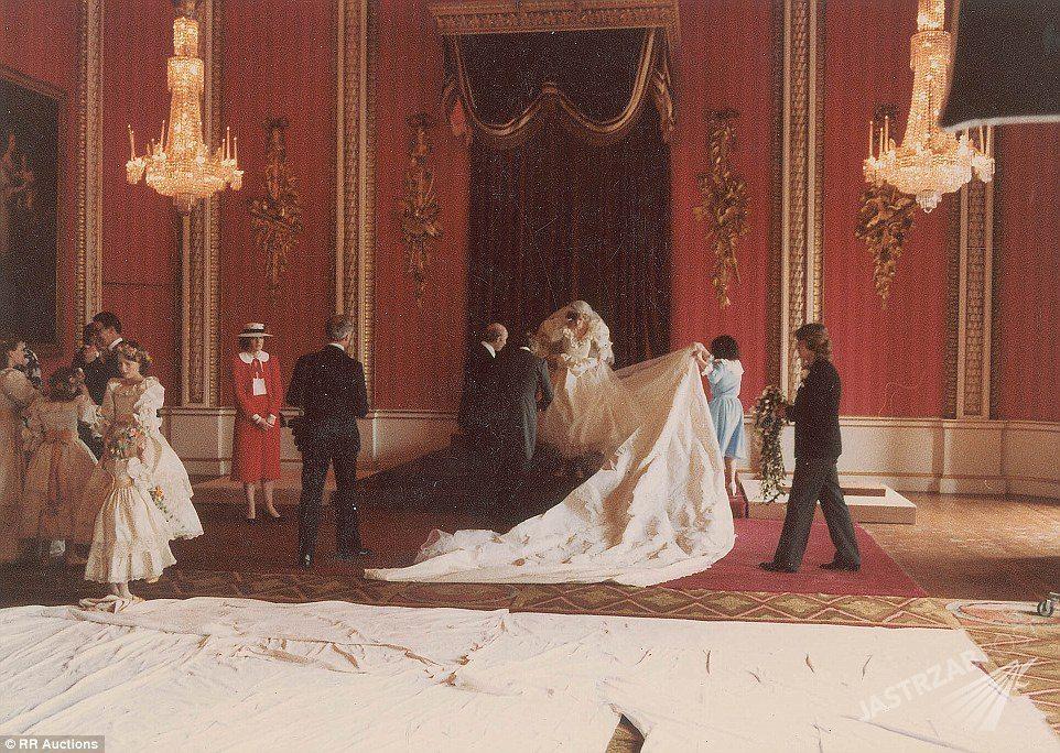 Zdjęcie (9) On jeden – one dwie: Diana kontra Camilla. Przypominamy oba śluby księcia Karola