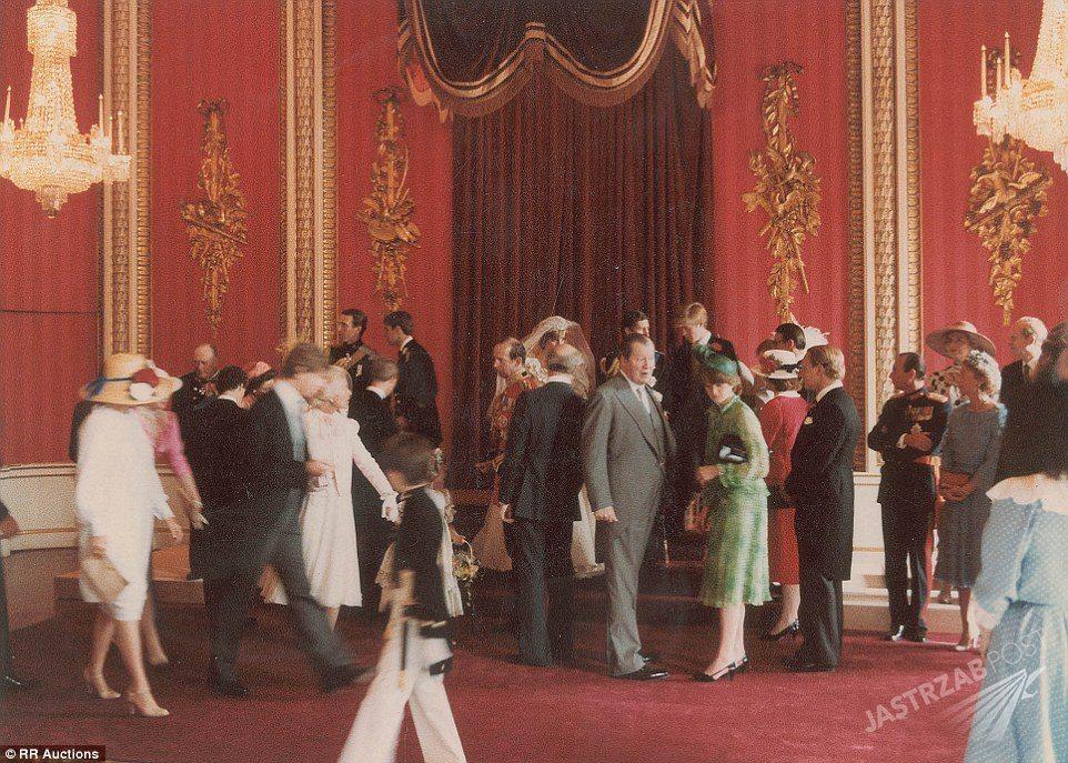 Zdjęcie (12) On jeden – one dwie: Diana kontra Camilla. Przypominamy oba śluby księcia Karola
