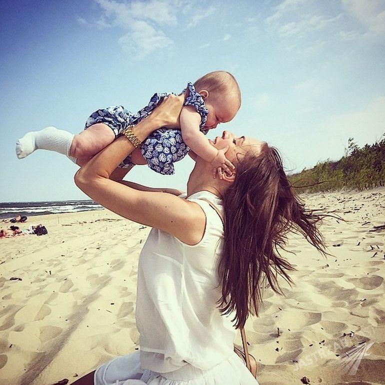Zdjęcie (4) Anna Wendzikowska drży o córkę. Wszystko przez jej byłego partnera