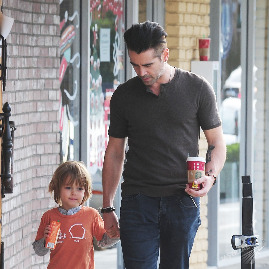 EXC: COLIN FARRELL AND HIS SON CHRISTMAS SHOPPING