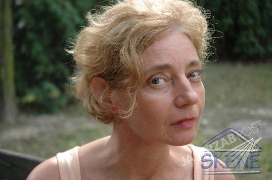 Zdjęcia Barbary Sienkiewicz, aktorki która urodziła dzieci w wieku 60 lat