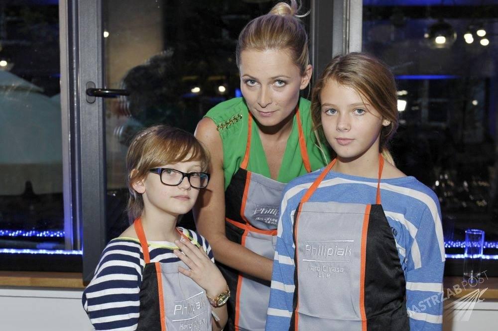 Odeta Moro z dziećmi podczas Charytatywnych Kulinarnych Zawodów Rodzinnych Gwiazd