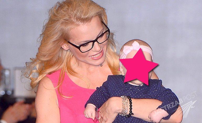 Karolina Nowakowska urodziła córkę