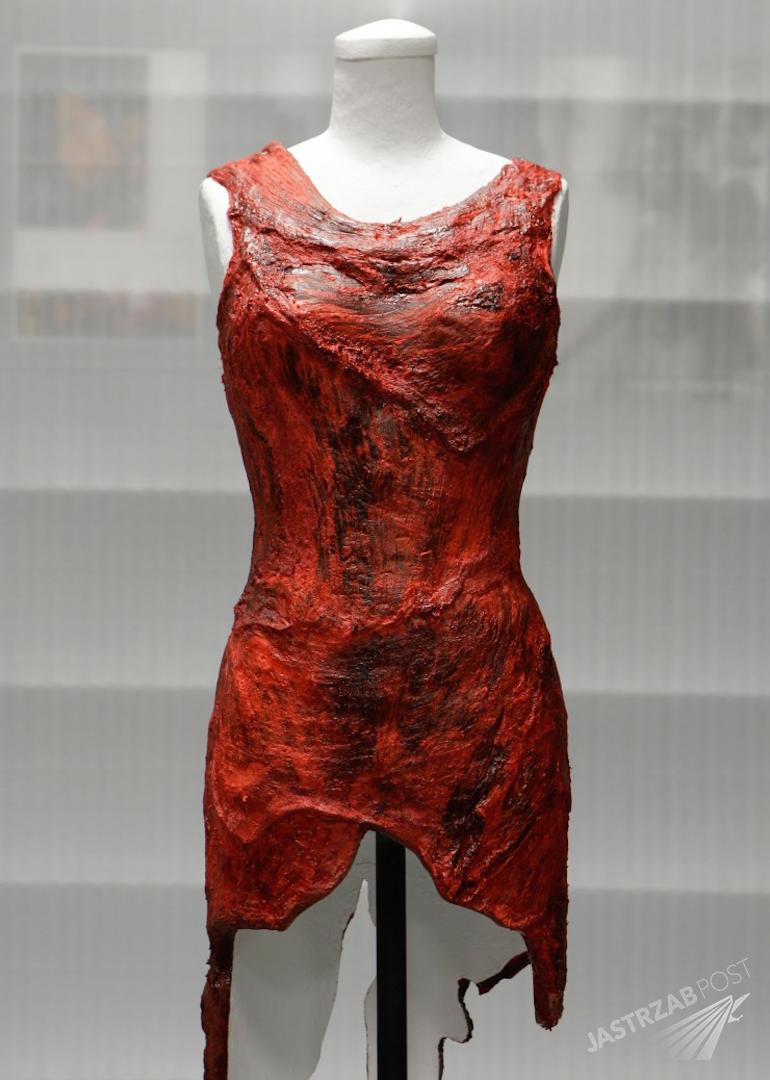 Jak dzisiaj wygląda mięsna sukienka Lady Gagi?