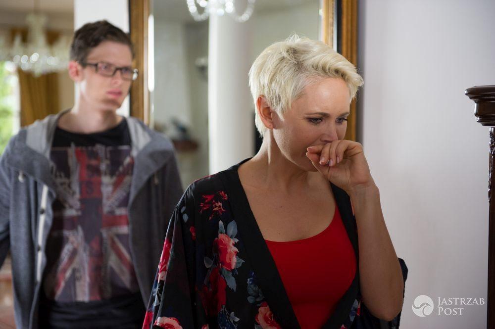 Na Wspólnej odcinek 2173, Maks Brzozowski (Adam Fidusiewicz), Ilona Zdybicka (Anna Samusionek), fot:: x-news