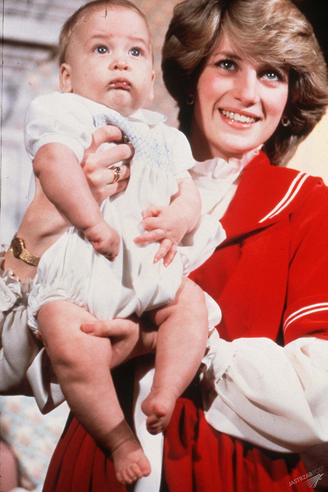 Księżna Diana z małym Williamem