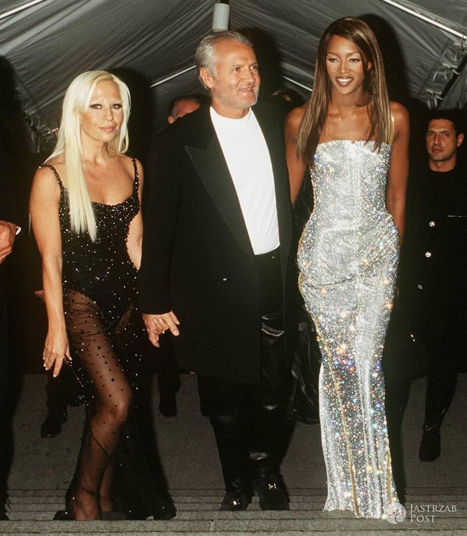 Gianni Versace (1946-1997). Na zdj. Gianni Versace z siostrą Donatellą i Naomi Campbell (fot. ONS)