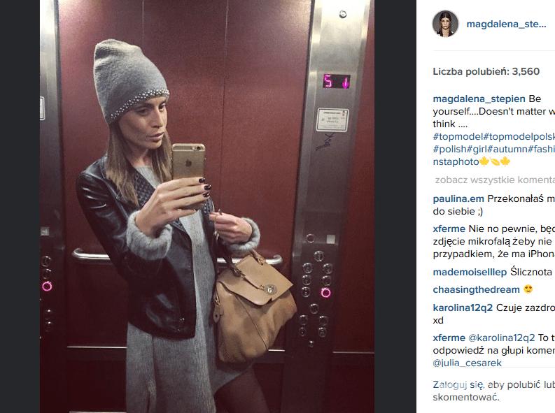 Magdalena Stępień-Kolesnikow niczym Dawid Woliński - w windzie (fot. Instagram)