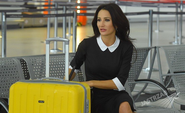 Justyna Steczkowska na lotnisku