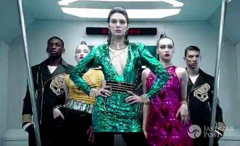 896b578aa5 Kendall Jenner trafiła do najbardziej stylowego metra na świecie. Tak w  teledysku promuje kolekcję Balmain dla H M