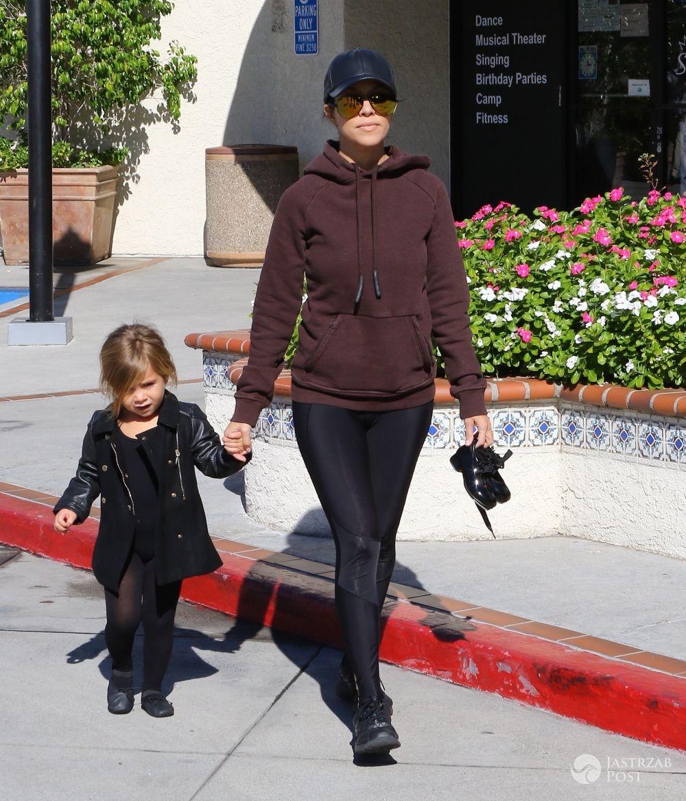 Kourtney Kardashian odbiera córkę z baletu