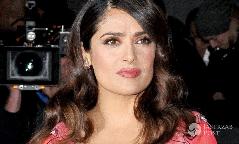 Salma Hayek w sukni Gucci na British Fashion Awards 2015 (fot. ONS)