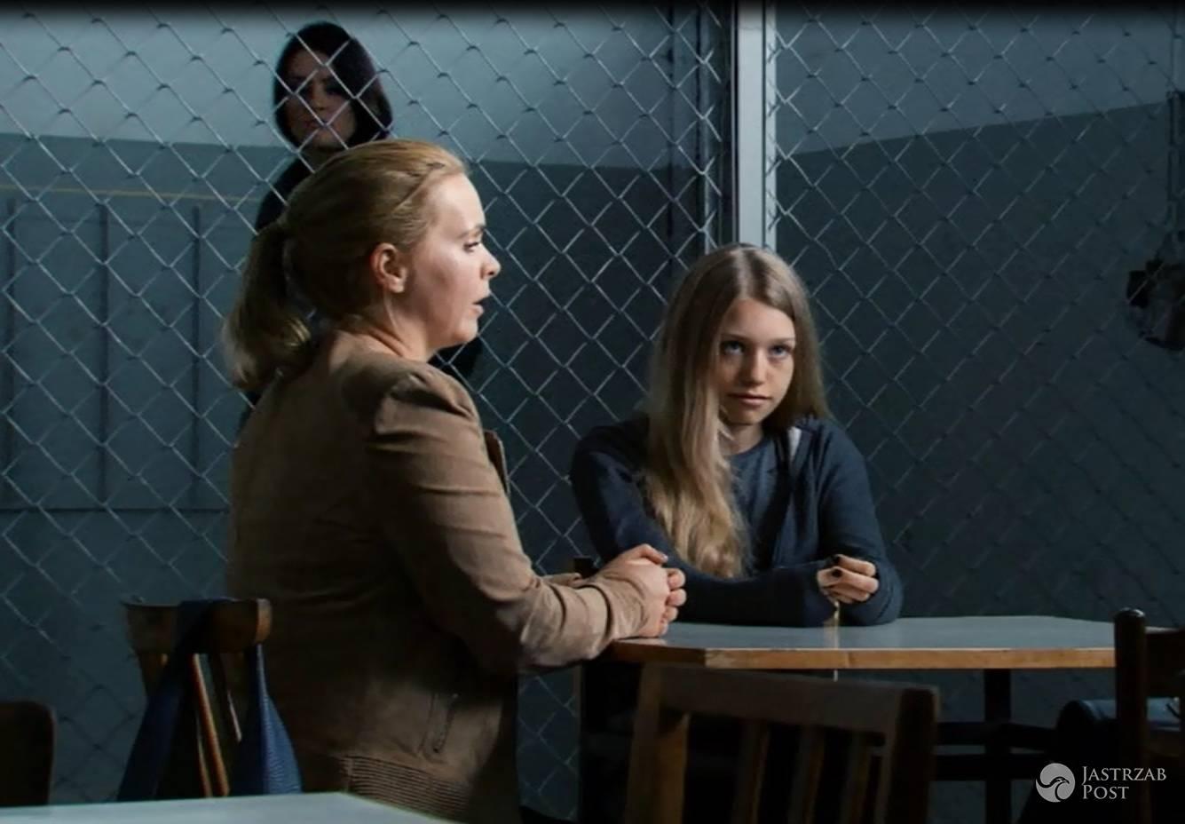 Przyjaciółki 6 odc 10, Anka (Magdalena Stużyńska), Julka (Nicole Bogdanowicz) fot: Polsat materiały prasowe