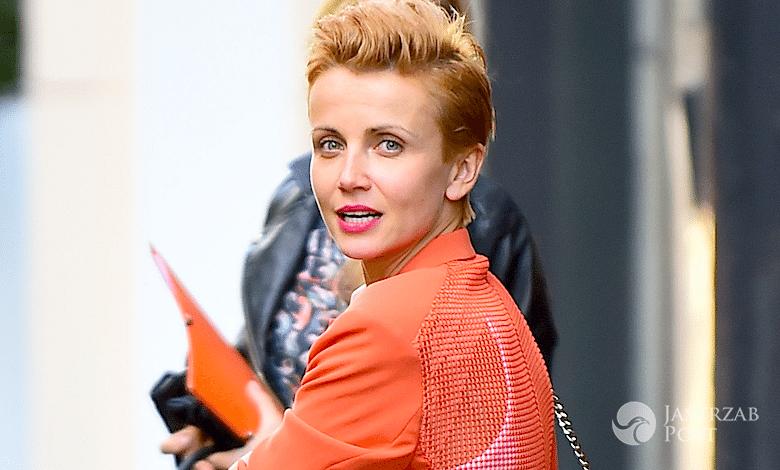 Katarzyna Zielińska sprzedaje ubrania w lumpeksie