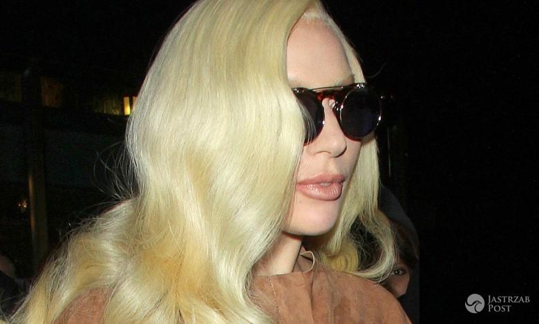 Lady Gaga przed hotelem w Nowym Jorku 2015