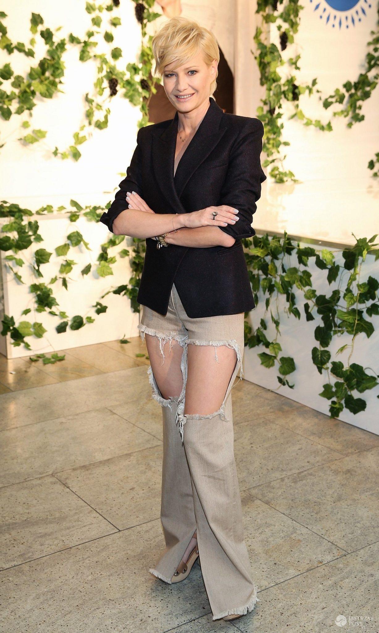 Małgorzata Kożuchowska w spodniach z dziurami. To projekt Dawida Wolińskiego