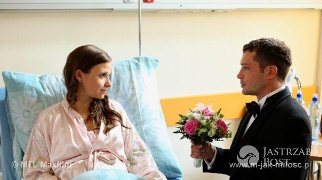 Ślub Tomka (Andrzej Młynarczyk) i Małgosi (Joanna Koroniewska) w M jak miłość