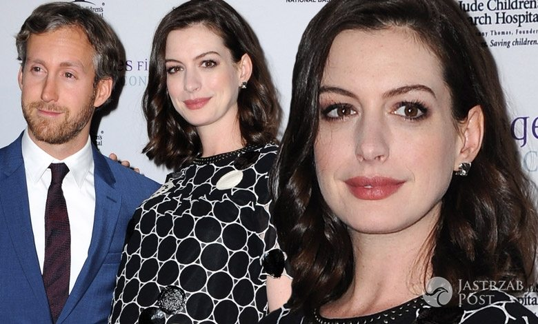 Anne Hathaway w ciąży i jej partner Adam Schulman, Fine Art Show 2016 w Los Angeles (fot. ONS)