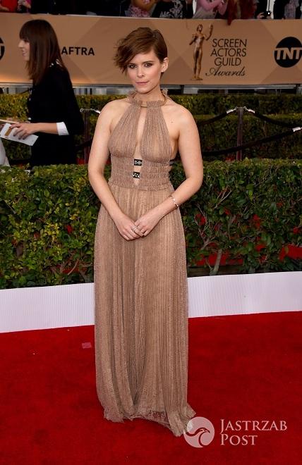 Kreacja: Valentino. Kate Mara na gali wręczenia nagród SAG 2016