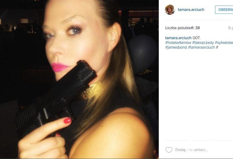 Tamara Arciuch jako dziewczyna Bonda