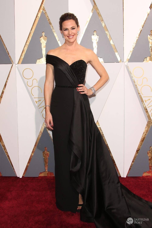 Jennifer Garner - Oscary 2016. Kreacja: Versace