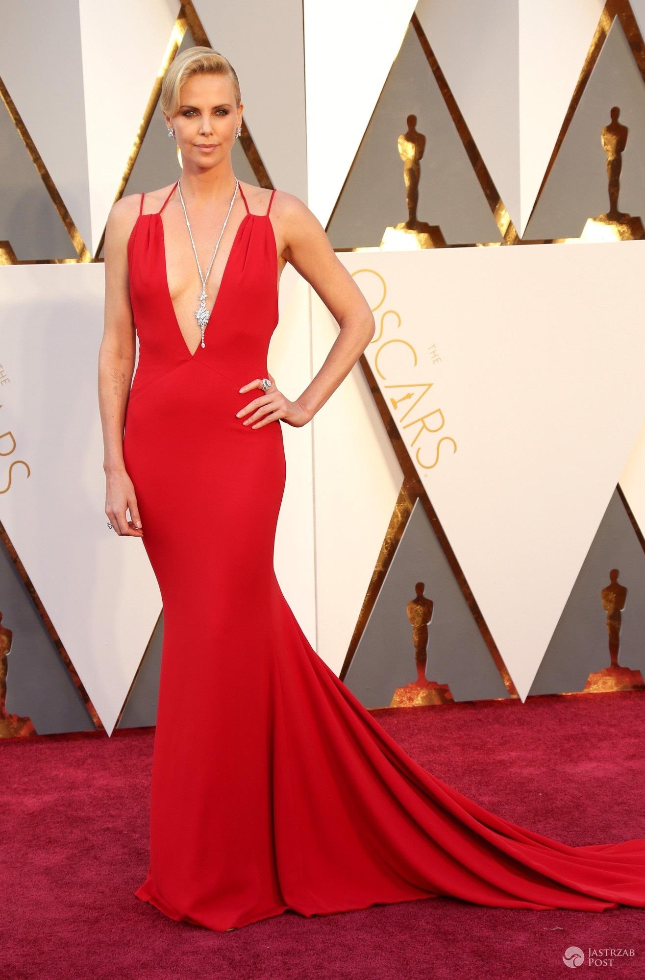 Charlize Theron na Oscarach 2016 (fot East News)