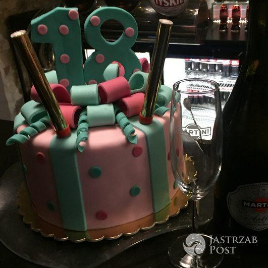 18. urodziny LittleMooonster96 - tort