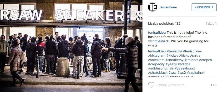 Kolejka pod sklepem w Warszawie po buty Kanye Westa. Premiera w piątek 19 lutego (fot. Instagram)
