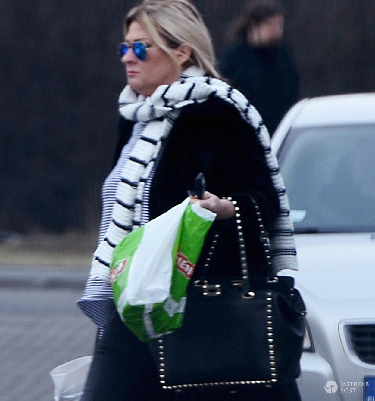 Beata Kozidrak jednego dnia ogołociła salony La Manii i Valentino! Gwiazda na zakupy ubrała się jak na plażę! Co za ciało! zdjecie 1