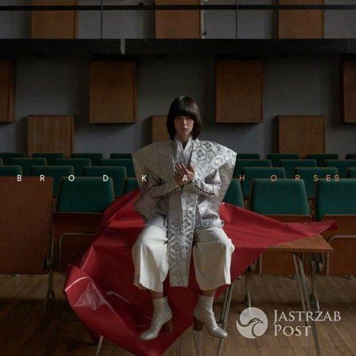 Brodka Horses - piosenka i teledysk z płyty Clashes. Data premiery w Europie