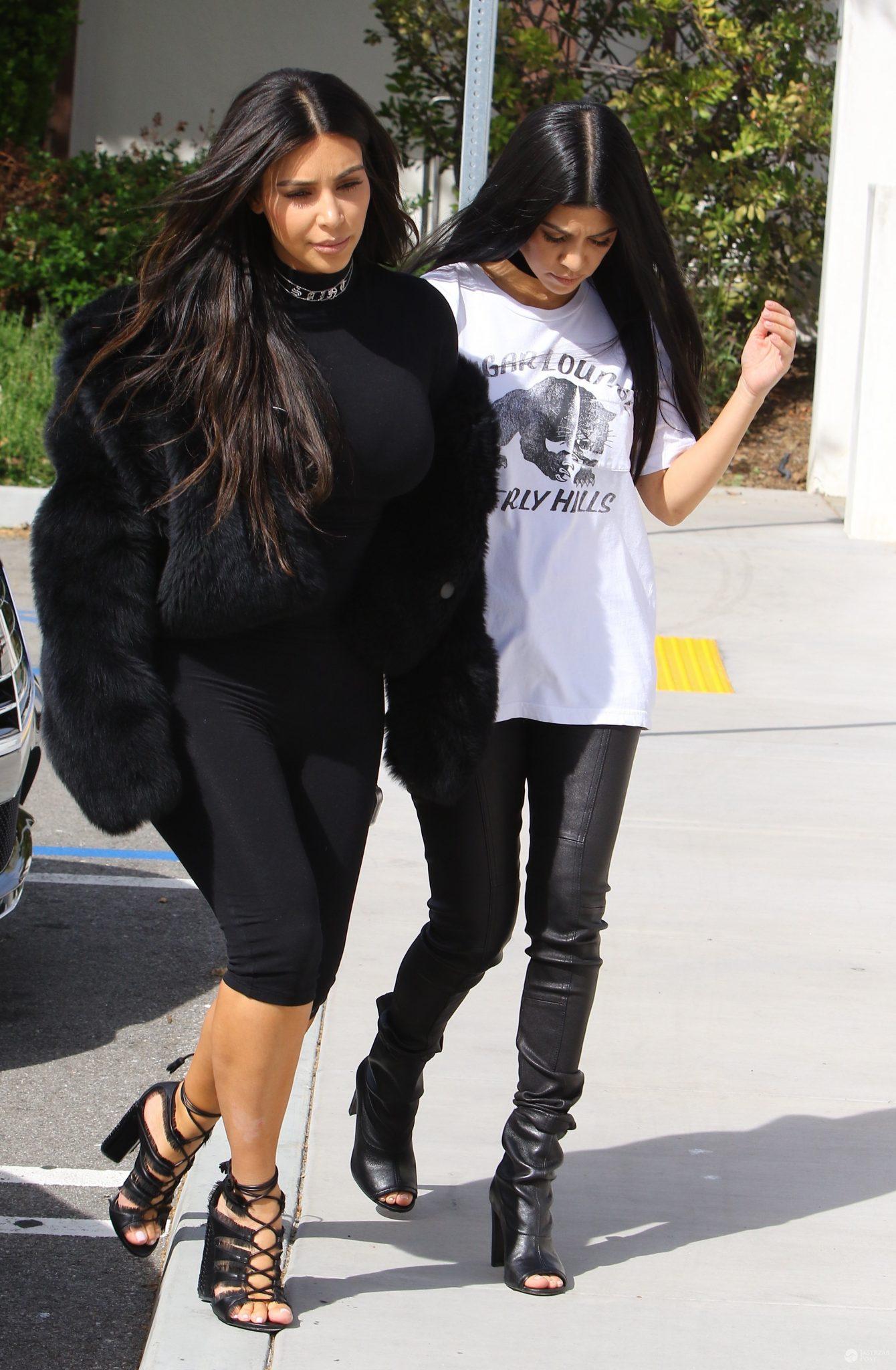 Kim Kardashian i Kourtney Kardashian, marzec 2016 (fot. ONS)