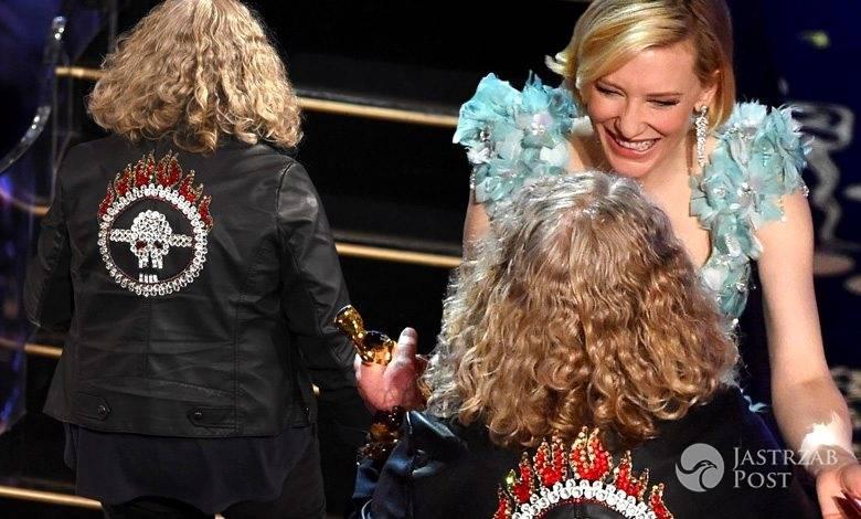 Cate Blanchett (w sukni Armani Prive), Jenny Beavan (w kurtce Marks & Spencer), Oscary 2016 (fot. East News)