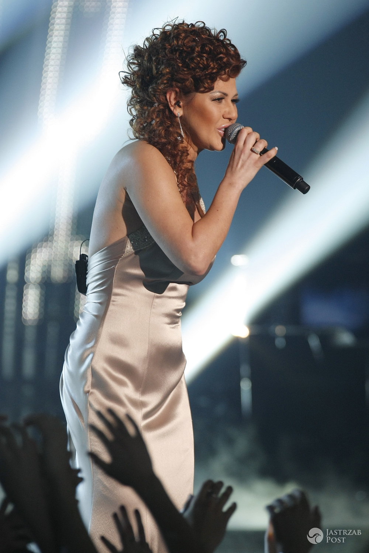 Iwona Węgrowska z piosenką Alone na Eurowizję 2017 (na zdj. występ na preselekcjach 2010)
