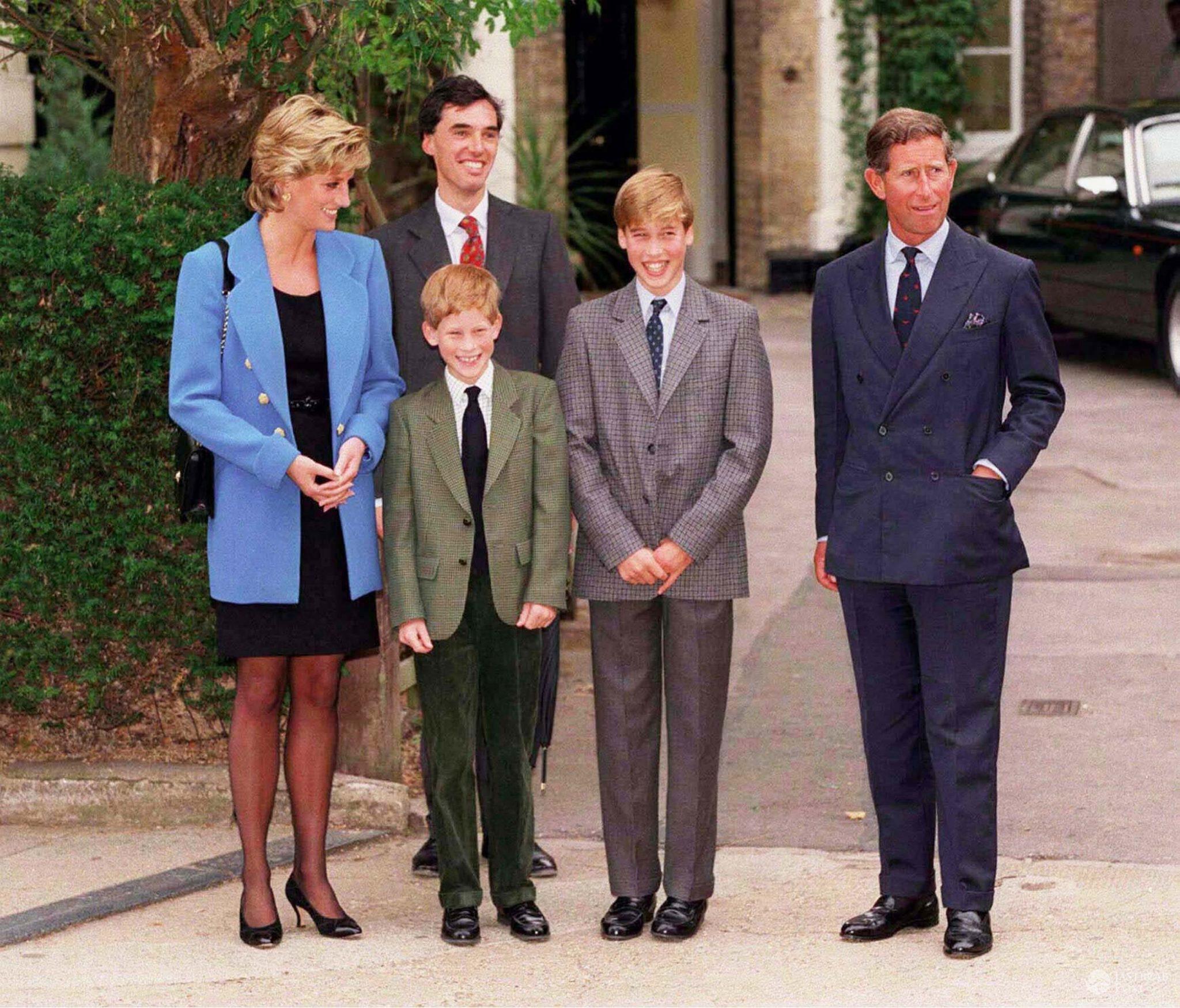 Księżna Diana i książę William z synami: Harrym i Williamem (fot. ONS)