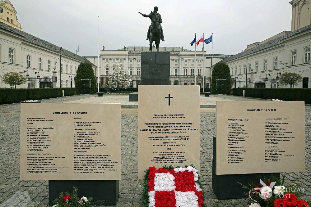 Pomnik upamiętniający ofiary katastrofy smoleńskiej stanie jednak na Krakowskim Przedmieściu?